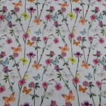 Poplin. Lilled ja liblikad valgel taustal